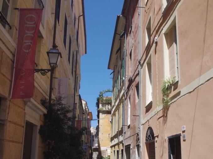 Via Roma ad Albenga